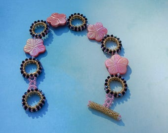 Bracelet Mother of Pearl and Bead Work