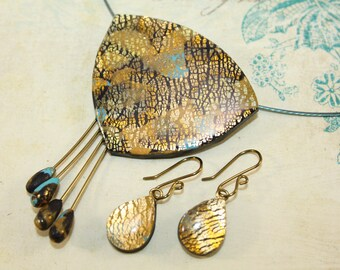 Turquoise and gold triangle necklace and teardrop earrigns set