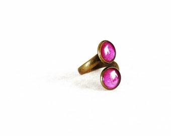 Magenta resin wrap ring / Antique bronze dual pink purple ring / Metallic magenta ring / Cute cocktail ring / Whimsical ring / FREE SHIPPING