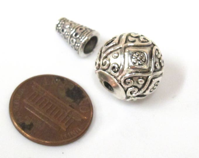 1 Guru bead set  - Large size 14 mm x 15 mm Tibetan silver 3 hole Guru Bead with column bead  dotted floral heart design - GB059