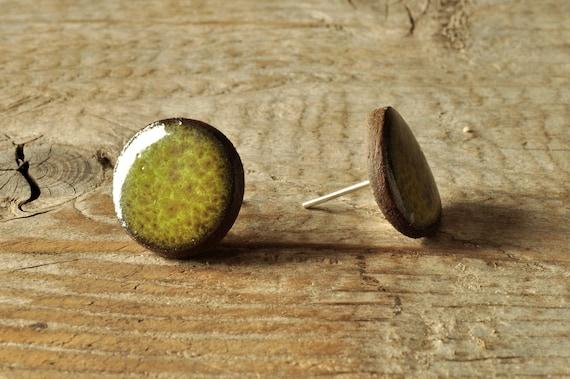 SMALL glossy khaki round stoneware stud earrings