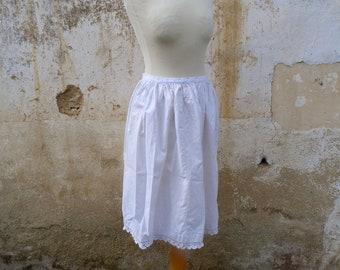 Vintage Antique  Edwardian 1900s white cotton & crochet lace petitcoat size XXS
