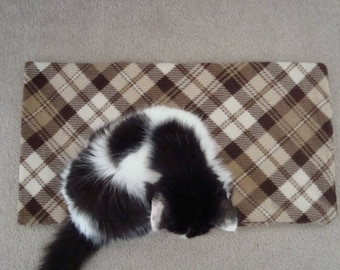 Long Fleece Cat Pad/Blanket with Removable Inner Catnip Batting