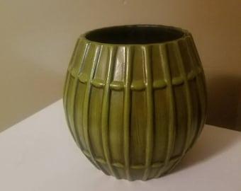 Vintage vase, vintage planter, green vase, green planter, vase, planter, ceramic vase, ceramic planter, Haeger pottery, pottery.