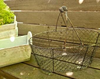 Wire Basket Rustic   Wedding Decor   Farmhouse Decor   Storage and Organization   Tiny House Farm