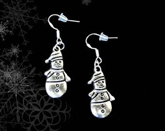 Snowman Earrings..Snowman Charm Earrings..Christmas Earrings..Winter Earrings..Snow Earrings..Frosty The Snowman Earrings..Holiday Earrings