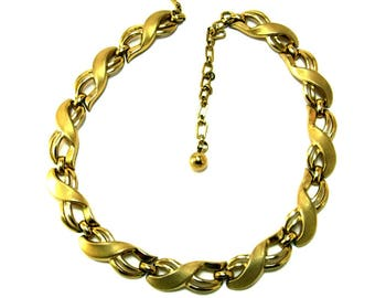Wide Ribbon Necklace Matte and Polished Gold Tone Signed Trifari