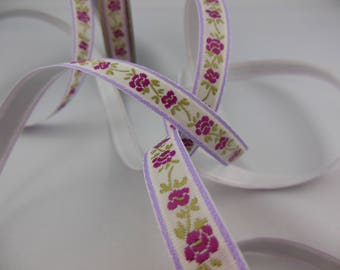 Ribbon colors ecru/Burgundy flower pattern decal