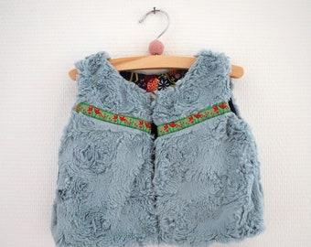 fur sleeveless jacket