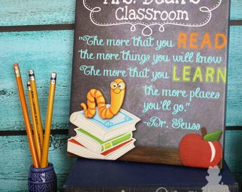 Teacher Chalkboard Classroom with Book Worm Quotation Saying CANVAS Teacher End of Year Christmas Present Gift TCS005