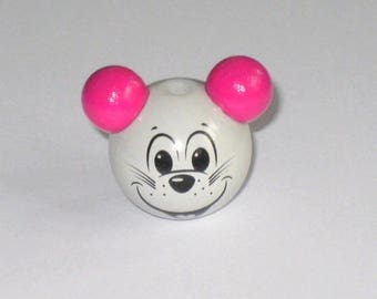 Light gray and pink 3d mouse head wood bead