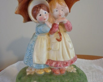 HOLLY HOBBIE Figurine, Umbrella Girls, Friendship makes the World a Nicer Place, 1975, Made In Japan