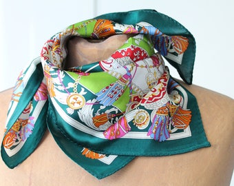 Vintage silk scarf, scarf from the 90s, vintage scarf to give, gift for her, 56 x 52 cm, FOUL171120 fashion accessory