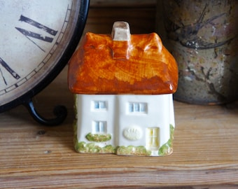 Beautiful Vintage Ceramic Thatched Cottage Storage Pot Babbacombe Torquay Devon