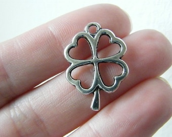 6 Four leaf clover charms antique silver tone L41