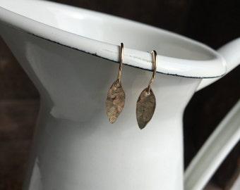 50 % OFF Goldfilled Leaves, Hammered Earrings, Leaf Earrings, 14/20 kgf, Etsy, Etsy Jewelry, Simple Earrings, Tiny Handmade Earrings