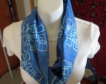 Blue geometric infinity scarf/ Infinity scarves/ Blue infinity scarves/ women's scarves/ ladies' scarves/blue scarves/Mothers Day gift