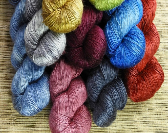 Hand dyed yarn - 100g 100% Silk 4 ply/ fingering weight in 'Graphite' - With free cowl pattern