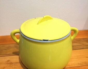 Fondue pot Le Creuset yellow