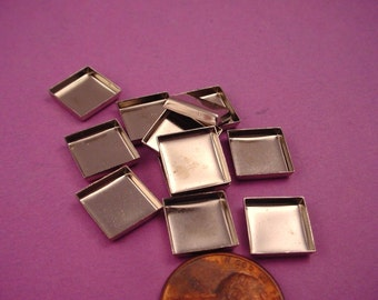 18 Silver tone Square Bezel Cups 10mm