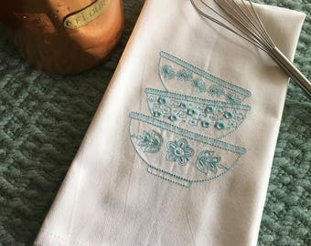 Dish Towel Set with Embroidered Vintage Pyrex | set of 3 different designs