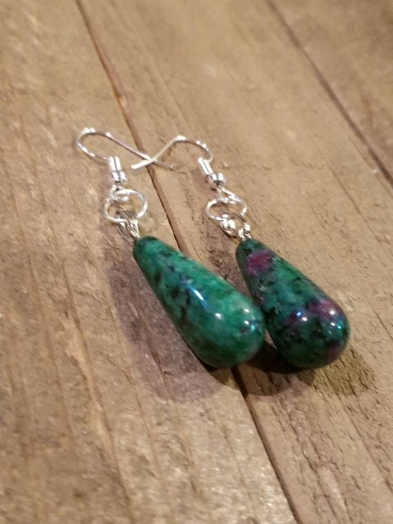 Moss Green Crystal Stone Gem Drop Dangle Earrings Style Nature Fashion Natural Earth Hippie Boho Jewelry (E67)
