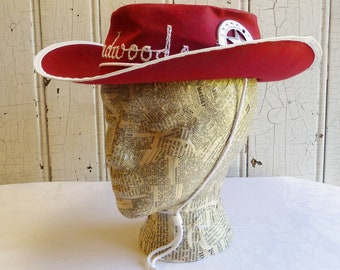 Mid-Century Deadwood South Dakota Cowboy Hat - 1950s Child's Souvenir Western Hat - Felted Paper with Sheriff Badge - Kitschy Ranch Decor