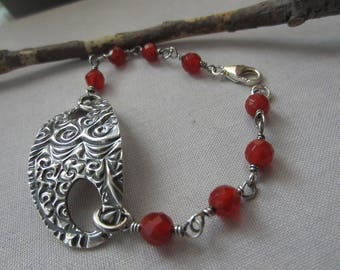 Carnelian bracelet/ Fine Silver PMC bracelet/ Pmc and Carnelian bracelet/ Silver Bracelet/ Oxidized Silver Bracelet/ Texturized  bracelet