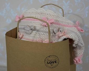 handmade crochet baby blanket; bow blanket; crochet bow blanket; baby shower gift; bow blanket for girl; granny,s squares blanket; afghan;