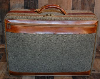 Vintage Hartmann Tweed and Leather Luggage, suitcase, vintage Hartmann tweed suitcase, leather handle, interior very clean