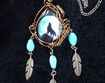Native American necklace: the Wolf cry