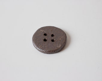 Button // Brown  // unglaze ceramic // stoneware