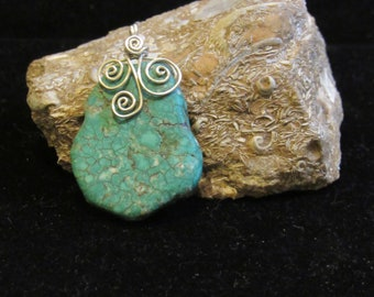 turquoise pendant with 925 silver wire