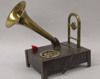 Pan Am iPod, iPhone, Android Gramophone Music Speaker