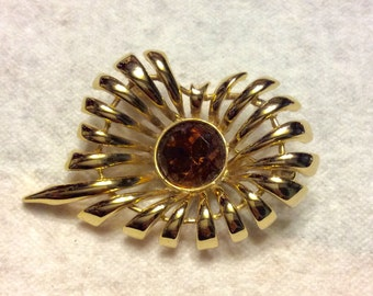 Vintage 1970's gold metal stems amber glass center brooch pin.