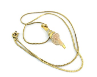 Vintage Conch Shell Necklace