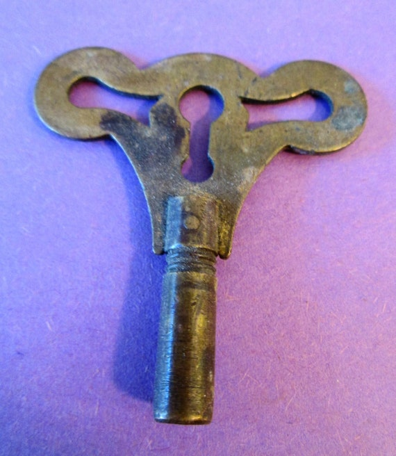 1 Old and Tarnished Solid Brass Clock Key Size 5 (3.50) for your Clocks, Steampunk Art, Jewelry Making + etc...