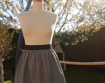 Skirt gathered - size 40.