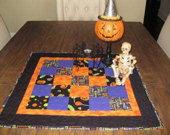 CLOSE OUT SALE Halloween Table Topper