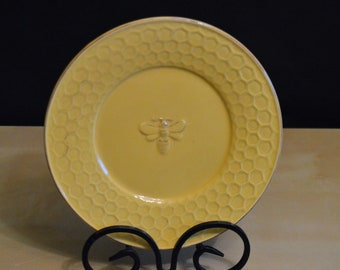 """ARTEflorum Bumble Bee 8"""" Salad Plate, Yellow Honeycomb Bee, Adorable!"""