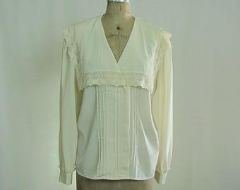 Vintage Romantic Blouse | Lace | Button Front | Pleated | Long Sleeves | Pilgrim Collar | Lee Mar | Size 12