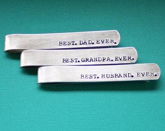 Personalisierte Krawattenklammer - beste Papa Opa Mann jemals - handgestempelt Traverse - benutzerdefinierte Papa Geschenk - Papa oder Opa - Vatertagsgeschenk