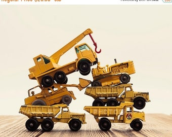 FLASH SALE til MIDNIGHT Vintage Matchbox Tractor Pile, Photo Print, Boys Room decor, Boys Nursery Prints, Boys Room Decor, Transportation ar