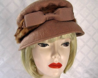 "1940s Hat / 40s 50s Brown Wool & Mink Hat / 20"""