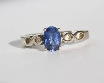 Superb silver ring decorated with artificial Sapphire likely
