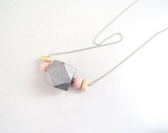 Silver Pearl necklace, polygon grey wood