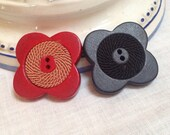 Vintage Wood Buttons. Dif...