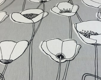 Tablecloth gray with white poppy, elegant tablecloth, modern style, mothers day gift, poppy table cloth