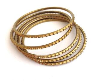 Vintage brass bracelets set of 5 | Brass skinny bangle | Hammered brass bracelet | Brass bangle bracelet | Brass thin bracelet