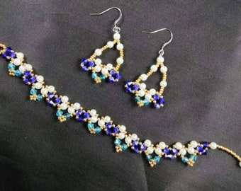 Royal blue and Teal Beaded Bracelet and Earring Set/Bead woven Bracelet and Earrings.